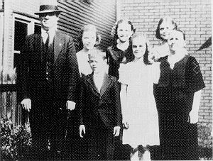 Joseph Tkach, Sr., as a child with his parents and sisters.